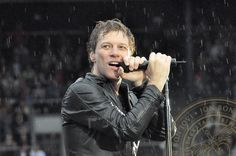 Jon Bon Jovi...wet....my my my, does this man ever take a bad photo? No Wayyy!!!