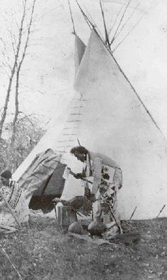 Bird Rattler and his wife - Blackfeet (Pikuni) - no date