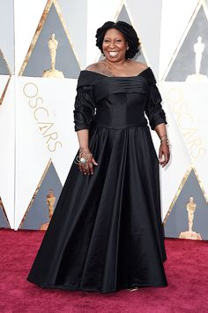 Whoopi Goldberg attends the 88th Annual Academy Awards at Hollywood & Highland Center on February 28, 2016 in Hollywood, California.