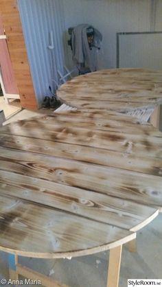 Gammalt bord i ny/gammal tappning - Hemma hos Happy1 Diy Table, Inspiration, Furniture, Home Decor, Ska, Biblical Inspiration, Decoration Home, Room Decor, Handmade Table
