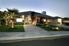 Stunning Modern Mansions – My Life Spot Villa Design, House Bali, Single Storey House Plans, Design Exterior, Bungalow House Design, Modern Mansion, House Entrance, Architect Design, House Front