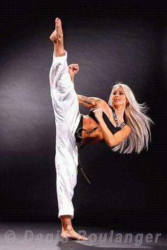 "Pinned by ""Joe Lazar"" : Taekwondo Female Martial Artists, Martial Arts Women, Mixed Martial Arts, Taekwondo, Martial Arts Workout, Martial Arts Training, Judo, Karate Shotokan, Dynamic Poses"