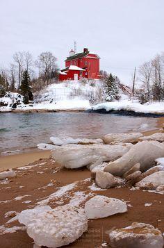 Marquette Harbor LightLake Superior Marquette Michigan US46.546778, -87.376278