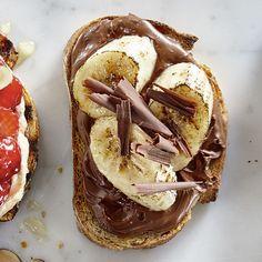 Tartines aux bananes grillées, aux noisettes et au chocolat - 5 tartines sucrées à croquer