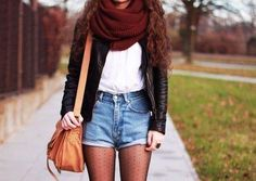 A casual early fall outfit! Simple high waisted shorts, cute tights, white top, brown leather jacket & a red wrap scarf! Indie Fashion, Hipster Fashion, Look Fashion, Teen Fashion, Fashion Shorts, Fashion Clothes, Hipster Stil, Style Hipster, Fall Winter Outfits