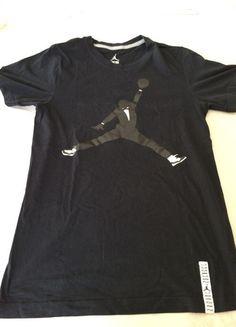 À vendre sur #vintedfrance ! http://www.vinted.fr/mode-hommes/t-shirts/23342854-t-shirt-jordan-noir