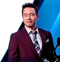 How Robert Downey Jr. accepts applause. (Warning: Cute factor HIGH.)