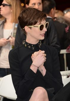 More Pics of Anne Hathaway Pixie Layered Pixie Cut, Pixie Cut Blond, Pixie Cut With Bangs, Anne Hathaway Pixie Cut, Anne Hathaway Haircut, Shot Hair Styles, Hair Styles 2014, Long Hair Styles, Pixie Hairstyles