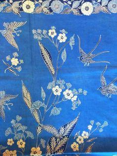Antique Batik tulis #Pekalongan blue and white. www.kulukgallery.com  #antiquebatiktulis