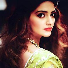Her eyes. #SonamKapoor
