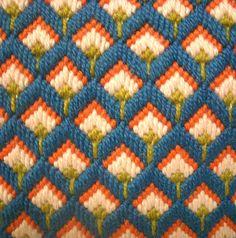 Vintage Bargello Flower Design Needlepoint Pillow in por REdesignkc