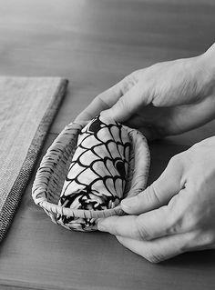 Japanese hospitality, Oshibori - hot towels to wipe your hands