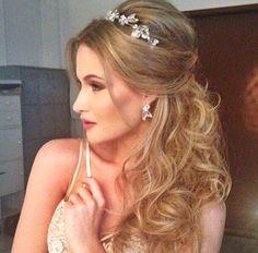penteado semi preso com tiara arranjo