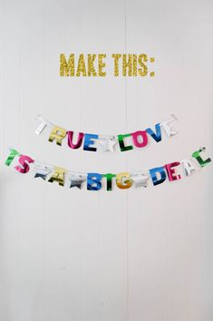 DIY BANNER - Make one of these for any type of celebration #diywedding #craft #diyeventdecor