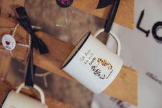 Nuestras tazas de acero esmaltado RETROPOT con diseños de BUENACHICA www.retropot.es Tazas de metal, personalizadas y colección propia. Tazas de acero esmaltado RETROPOT retro y vintage
