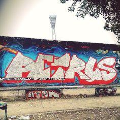 #petthethreat #lesnerds #nrd #Berlin #mauerpark #graffiti #graffitiporn #graffitiart #instagraffiti #streetart #urbanart #urbanwalls #magic #Design #graphic #sparyart #painting #paint #write #writing #silver #colourful #cans #montana #friday #trippy #Ghetto #bombing #throwup PETRUS by petrusthethreat