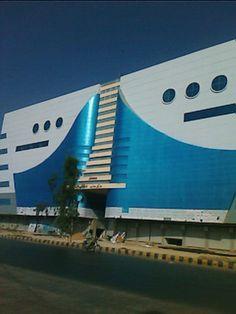 Saima Pari Shopping Mall, Karachi. (By www.panoramio.com/user/3164403) Shopping Center, Shopping Mall, Commercial Complex, Karachi Pakistan, Location Map, Brave, Building, Places, Pictures