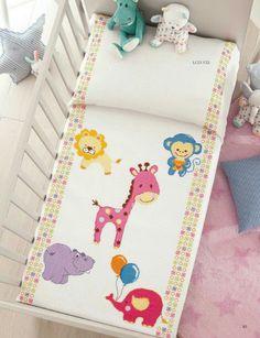 Punto croce Leon, monkey, giraffe, elephant