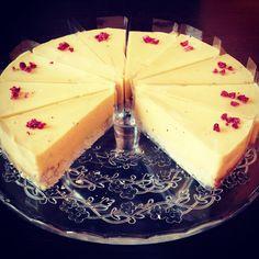 Paleo vegan tropicana torta Paleo Vegan, Panna Cotta, Cheesecake, Ethnic Recipes, Desserts, Food, Tailgate Desserts, Dulce De Leche, Deserts