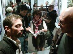"""Le soir du vernissage de la deuxième partie de l'exposition """"Follow me"""" de Sylvester Engbrox, galerie VivoEquidem, 13 janvier 2011, Paris"""