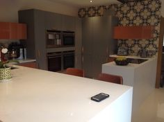 Another shot of this exceptional Linda Barker kitchen. It's 60s/70s inspired, but in a good way!
