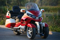 Ludovic Lazareth is well known for his many wild creations like the very impressive, but highly impractical Maserati V8 powered leaning quad. This Honda Gold Wing conversion, on the other hand, is …