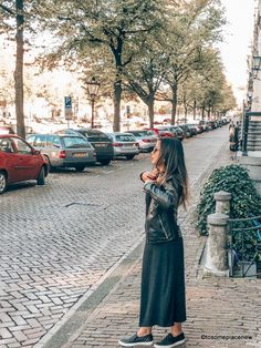 A 2 day Amsterdam itinerary with sightseeing and travel tips, and a quick day trip to the countryside. Find out how we spend 2 days in Amsterdam itinerary. 2 Days In Amsterdam, Amsterdam Map, Amsterdam Itinerary, Visit Amsterdam, Anne Frank House, Dam Square, Packing For Europe, Belgrade Serbia, Red Light District