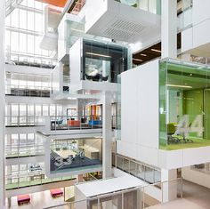 One Shelley Street - one of my favorite office spaces by one of my favorite architecture/interior design firms - Clive Wilkinson! Bureau Design, Macquarie Group, Office Inspiration, Office Ideas, Design Inspiration, Banks Office, Cool Office Space, Office Spaces, Work Spaces