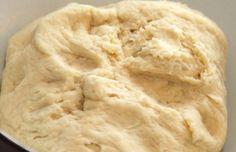 """Túrós """"rózsa""""-sütemény: mindössze húsz perc alatt elkészül, de az egész család élvezi egy héten keresztül! - Ketkes.com Mashed Potatoes, Ice Cream, Bread, Cookies, Ethnic Recipes, Food, Baking, Whipped Potatoes, No Churn Ice Cream"""