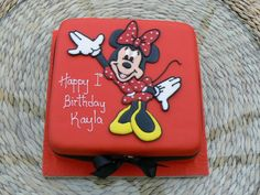 Google Image Result for http://www.corkweddingcakes.com/newsite/new_cakes/minnie_mouse_1st_birthday_cake_lg.jpg