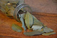 2. Solución casera de hoja de laurel
