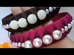 Tiara Luxo Perolada ❤ By: Claudiana Araujo❤ - YouTube Fabric Headband Tutorial, Fabric Headbands, Diy Headband, Diy Leather Bows, Diy Lace Ribbon Flowers, Boutique Hair Bows, Diy Hair Accessories, Wedding Crafts, Hair Jewelry
