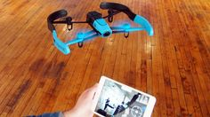 Flying_Bebop_Drone_with_Tablet