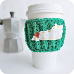 State Travel Mug Coffee cozy tea cosy Kentucky green yellow red starbucks cup crochet cover personalized on Etsy, $17.00