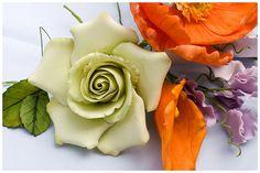 Sugar Flowers by Tina's Cakes, via Flickr