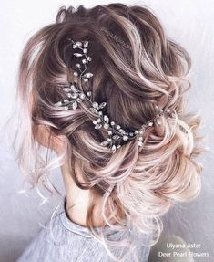 18 Beautiful Wedding Hairstyles from Ulyana Aster – My Stylish Zoo - The Right Hair Styles Romantic Wedding Hair, Beach Wedding Hair, Short Wedding Hair, Wedding Hair And Makeup, Romantic Dresses, Wedding Poses, Romantic Weddings, Dress Wedding, Trendy Wedding