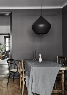 A beautiful home in dark colors - via Coco Lapine Design blog