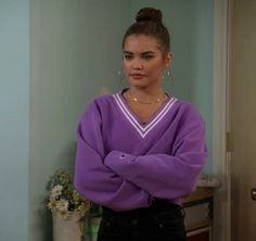 Tv Show Outfits, Cute Outfits, Girl Celebrities, Celebs, Fashion Tv, Fashion Outfits, Netflix Videos, Internet Time, Paris Berelc