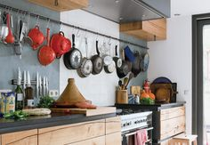 Our favorite kitchens feature a wealth of handy ideas that you can use in your own home. We break down a few recent stand-outs.