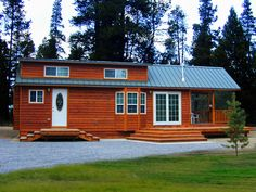 RPC- Rich's Portable Cabins Amazing house trailers, cabins and small living options. The nicest trailers I've seen so far. Tiny House Cabin, Tiny House Living, Small House Plans, Small Living, Tiny Cabins, Cabin Loft, Park Model Rv, Park Model Homes, Portable Cabins