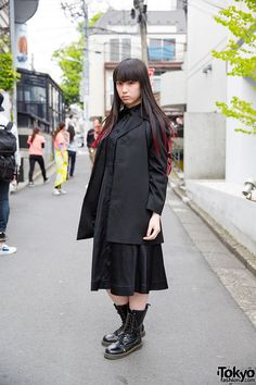 all black everything visual kei / goth style. also, her look from earlier in the week was MUCH better: https://www.pinterest.com/pin/92675704809169497/ ... Ayaca, 19 years old, student, model   21 June 2015   #Fashion #Harajuku (原宿) #Shibuya (渋谷) #Tokyo (東京) #Japan (日本)