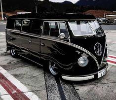 Custom VANS natural BABES & other bad ass transportation. Volkswagen Bus, Volkswagen Transporter, Vw T1 Camper, T3 Vw, Volkswagen Beetles, Wolkswagen Van, Kombi Pick Up, Vw Minibus, Combi T1