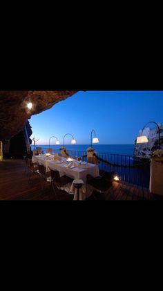 Grotta Palasezze Hotel, Italy