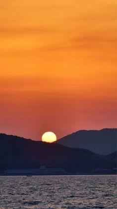2015/05/01 18:53 博多湾日の入りです。 #sunset  at  Hakata bay in Japan  #fukuoka