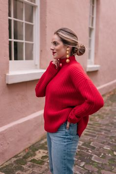 Outfit Details: Alex Mill Sweater, Madewell Jeans, Manolo Blahnik Pumps, Rebecca de Ravenel Earrings (old, similar here) I love the… Fall Winter Outfits, Autumn Winter Fashion, Night Outfits, Fashion Outfits, Club Outfits, Casual Outfits, Pullover Outfit, Gal Meets Glam, Holiday Sweater