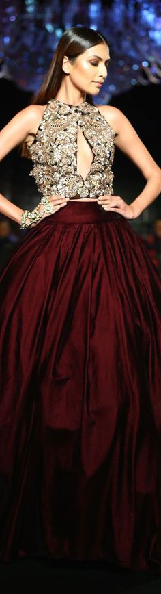Haute Couture/Burgundy Skirt w. Love Fashion, Runway Fashion, Fashion Design, Burgundy Skirt, Haute Couture Fashion, Beautiful Gowns, Dress Me Up, Pretty Outfits, Designer Dresses