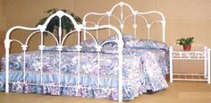 2pc-Nottingham-White-Cast-Iron-Queen-Bed-with-Nightstand