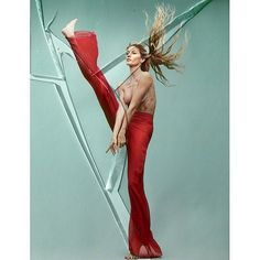 POPSUGAR: Gisele Celebrates Her 20-Year Career by Baring It All For Vogue Brazil. From the new Downdog Diary Yoga Blog found exclusively at DownDog Boutique. DownDog Diary brings together yoga stories from around the web on Yoga Lifestyle... Read more at DownDog Diary