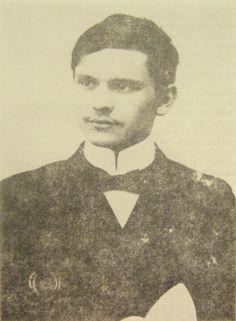 dr. mihályfalvi Forgon Mihály  (Gömörmihályfalva, 1885. október 16. – Tarnów, 1914. október 9.)   Híres genealógiai művét - Gömör-Kishont vármegye nemes családjai (Kolozsvár,I-II. 1909) - egyetemi évei alatt írta és röviddel tanulmányai bevégezte után lett vele készen.   A legjobb genealógiai munkák közé tartozik, melyek egy-egy megye nemességével foglalkoznak. Művében megadja a családok eredetét, a nemesítés idejét, legrégibb birtokait. Nagy súlyt fektetett azon családok ismertetésére… Abraham Lincoln, Books, Livros, Book, Livres, Libros, Libri