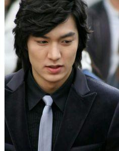 His suits are awesome Lee Min Ho Boys Over Flowers, Boys Before Flowers, Best Kdrama, Lee Min Ho Photos, Chuck Bass, Kim Woo Bin, Lee Jong Suk, Kdrama Actors, Korean Actors